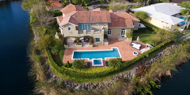 South Florida Residential Real Estate Market icon miami house